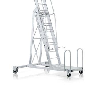 Лестницы для полувагонов,  для цистерн,  с крюками,  для стелажей,  колодцев,  трапы,  аварийно спасательные и другие.  Изготовителей :ZARGES,  KRAUSE,  Мегал,  ЛУЧ